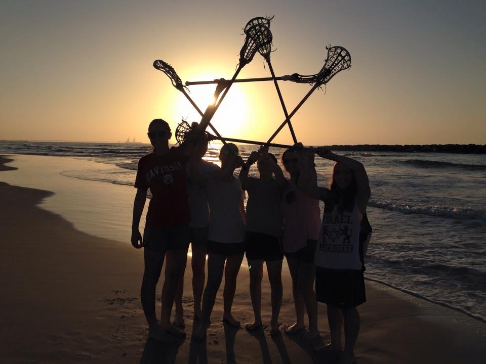 girls-lax-sticks